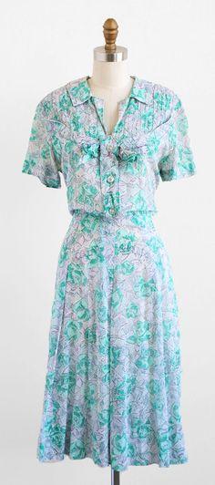 vintage 1940s dress   size l / xl   vintage dresses   Rococo Vintage   https://www.etsy.com/shop/rococovintage