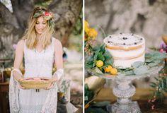 Boho wedding cake inspiration http://weddingsparrow.co.uk/2014/07/30/bohemian-bridesmaid-inspiration/