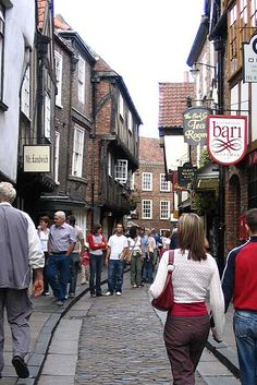 The Shambles in York © Vincej on Wikipdedia - Top 5 Cities and Towns in Northern England, UK