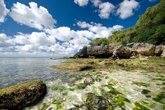 Pemandangan Pantai Padang Padang di Bali, persis seperti di luar negeri.