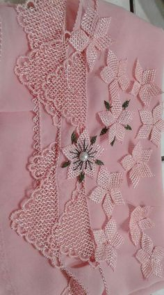 Needle Tatting, Needle Lace, Diy And Crafts, Projects To Try, Creative, Pattern, Crafts, Templates, Vases