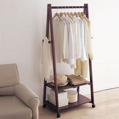 Creative home Yi wood floor coat rack hanger hanger floor bedroom clothes rack stylish interior white
