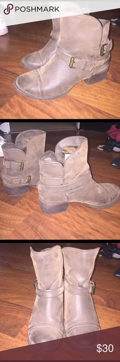 Little brown booties. Brown short boots with 2 straps and a buckle for style. Slip on. Incredible condition and very comfortable to wear. Rocket Dog Shoes Ankle Boots & Booties