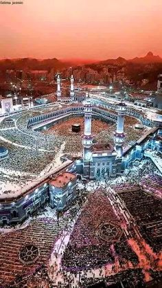 Hajj is compulsory for those who can afford it physically and financially. This worship practice purifies our bodies and reminds us that Allah makes us for his worship. Muslim Images, Islamic Images, Islamic Pictures, Mecca Madinah, Mecca Masjid, Islamic Wallpaper Hd, Mecca Wallpaper, Mecca Islam, Islam Quran
