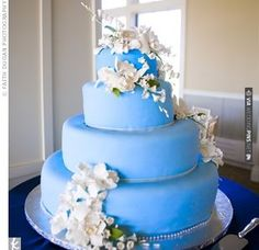 Blue Fondant Wedding Cake | VIA #WEDDINGPINS.NET
