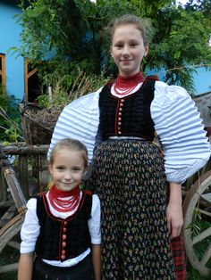 Folk costumes of Sic / Szek in Transylvania/Romania. Folk Costume, Costumes, Transylvania Romania, Traditional Outfits, Hungary, Europe, Clothing, Outfits, Dress Up Clothes