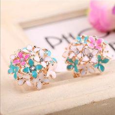 Elegant Rhinestone Earrings Flower Crystal Rhinestone Fashion Jewelry Earrings. New in package Jewelry Earrings