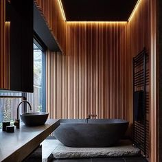 Impeccable colour contrast with this cedar feature wall ✔️