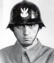 Polish soldier with M WZ-28 helmet, pin by Paolo Marzioli