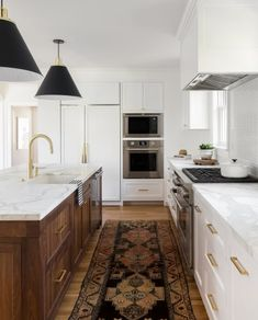 Farmhouse Kitchen Products A 1925 Colonial Home Gets an Uber-Modern Facelift. Farmhouse Kitchen Products A 1925 Colonial Home Gets an Uber-Modern Facelift Home Decor Kitchen, Rustic Kitchen, Kitchen Interior, New Kitchen, Home Kitchens, Kitchen Ideas, Earthy Kitchen, Distressed Kitchen, Neutral Kitchen