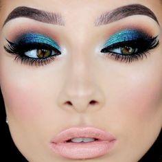 How to Rock Blue Makeup Looks - Blue Makeup Ideas