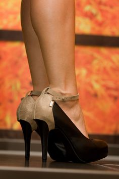 Shanks High Heels & Heel Caps © alexreinprecht.at Leather Cover, Platform Pumps, Shank, High Heels, Pairs, Classic, Outfits, Fashion, Outfit
