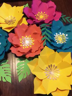 Handmade paper flower sets Made for birthdays, decorations , or any event. Made to order. Turn around time is 1-2 weeks from ordering date. Please message me prior to ordering to make sure you will receive them on time. If need sooner please message me prior to ordering thank you. * Paper Flower Wall, Paper Flower Backdrop, Giant Paper Flowers, Hawaiian Birthday, Moana Birthday, Moana Backdrop, Valentine Backdrop, Mothers Day Decor, Moana Party