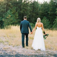 From their chic rustic wedding ceremony in Eastern Washington to taking on life together as a team, we wish congratulations to #CasablancaBride @bledsoe_sara and her husband Blake! #CasablancaBridal #Style2205 // Photography: @jackiezurfluhphotography