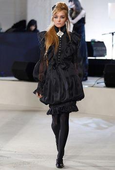 Chanel, Amy Winehouse, Kara, Karl Lagerfeld, Fashion Show, Goth, Runway, Vogue, Actors
