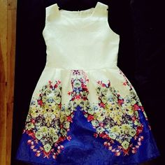 Floral dress Cute dress perfect for the summer! Dresses