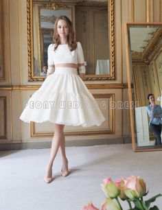 Find a Unique Ivory Short Wedding Dresses 2016 Knee Length Ball Gown Wedding Dresses With Sleeves Elegant Satin Bridal Gowns !