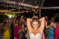 cool Casamento na Praia Mariscal | Larissa e Ronaldo #CasamentoLarissaeRonaldo #CasamentonaPraia #CasamentonaPraiaMariscal Check more at http://www.guilhermeantunes.com/casamento-na-praia-mariscal-larissa-e-ronaldo/