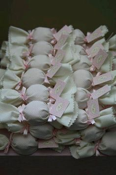 Decor N Detail: Pink Beads Maternity {Pink Decor} - Style Evening Dresses Party Gifts, Party Favors, Favours, Decoration Buffet, Baby Shawer, Chocolate Bouquet, Ideas Para Fiestas, Shower Favors, Baby Shower Parties