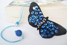 Butterfly Felt Bookmark Felt Bookmark, Bookmark Making, Bookmark Ideas, Crafts To Do, Felt Crafts, Butterfly Felt, How To Make Bookmarks, Black Felt, Felt Art
