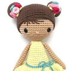 Pretty crocheted doll. I like the hair. El Club del Patrón: Muñeca Chloe