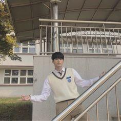 Moment at eighteen Jinyoung, Ong Seung Woo, Felt Flower Bouquet, Fandom, Big Crush, Incheon, Kpop Boy, Boyfriend Material, Korean Drama