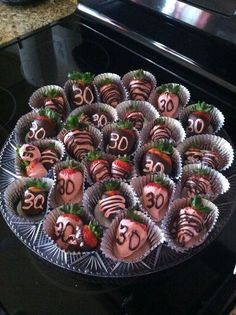 Birthday Decoration Ideas Luxury Chocolate Covered Strawberries for A Birthday Party 30th Party, 30th Birthday Parties, 30 Birthday, Big Party, 30th Birthday Ideas For Girls, Birthday Celebration, Thirtieth Birthday, 30th Birthday Decorations, Thirty Birthday
