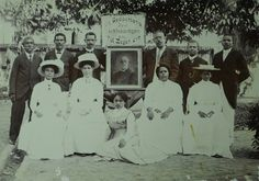 Historische fotocollectie van Suriname op Flickr .  Leden van de Free Evangelical Church.