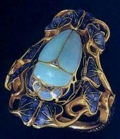 René Lalique scarab ring, c. 1902.