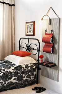 Swart & wit met kleur | Maak dit self | SARIE Bunk Beds, Small Spaces, Bedroom Small, Black And White, Interior, Bedrooms, Touch, Colour, Furniture