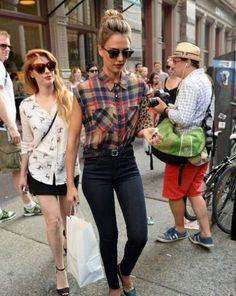 Jessica Alba spotted in Manhattan with her cute Clare Viver leopard clutch. Inquiries-(626)799-9899 or info@shopserafina.com.