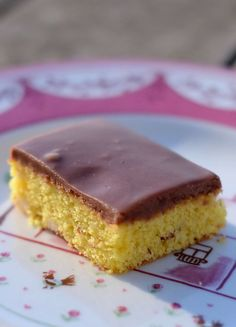 After eight kage – eller døgnkage – opskrift Danish Dessert, Danish Food, Sweets Recipes, Cake Recipes, Pastry Cake, Cake Decorating Tips, Sweet Cakes, Sweet Bread, Cakes And More