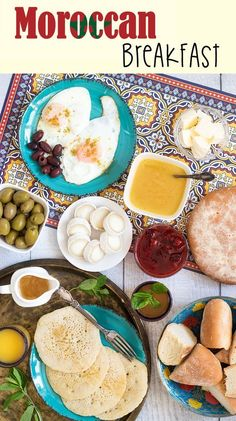 A look at the traditional Moroccan breakfast which features bread, semolina pancakes, fried eggs and the famous mint tea! Low Carb Breakfast, Breakfast Time, Moroccan Breakfast, Arabic Breakfast, Moroccan Bread, Chinese Breakfast, Brunch Recipes, Breakfast Recipes, Breakfast Around The World