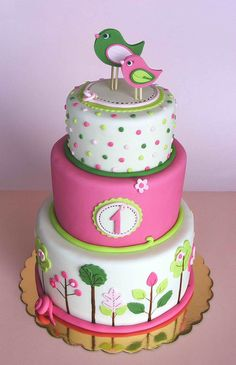 pink & green birdie cake...love the swirls colore borders very clever way to finish