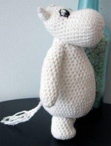 Amigurumi Hippo - looks like a Moomin Crochet Amigurumi, Amigurumi Patterns, Crochet Dolls, Knitting Patterns, Crochet Patterns, Crochet Gifts, Diy Crochet, Little Girl Gifts, Crochet Animals