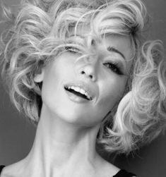 Model Keely Webster's Marilyn Monroe look. Marilyn Monroe Hairstyles, Short Curly Bob, Marylin Monroe, Gorgeous Hair, Bob Hairstyles, Classic Style, Curly Hair Styles, Hair Beauty, Elegant