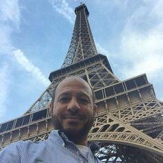 مساء الورد  سوق الأحد في باريس #Bahrain #paris #europe #eurotrip #eiffeltower #باريس by sshowaiter Eiffel_Tower #France