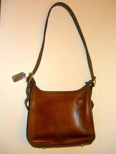 Vintage COACH Classic 9966 LEGACY Zip Cross Body Purse Shoulder Bag Tan Leather  #Coach #MessengerCrossBody