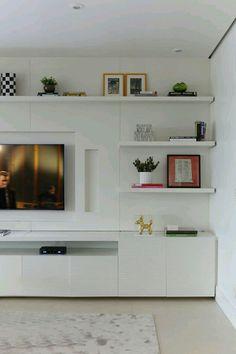 Eller bogkasser i stedet for hylder, forskudt. Living Room Wall Units, Living Room Tv Unit Designs, Home Living Room, Living Room Decor, Muebles Living, Cool House Designs, Family Room, Interior Design, Home Decor