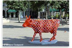 N° 15 - Cow Lait Œufs - place Jean Jaurès Artiste L'OUVRE BOÎTE - Propriétaire Banque Alimentaire de Bordeaux