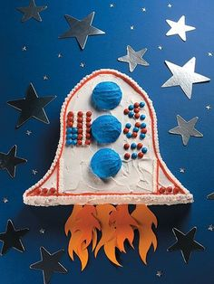 Amazing Kid Cake Ideas: Rocket Ship Cake Going to Space! #spacebirthday #rocketcake #birthdaycakeideas