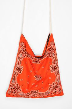 Urban Renewal Bandana Tote Bag - This would be easy enough to make. Using another color as a liner would also make it reversible!