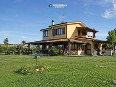 #Villa #mer #Molise #Italie #Immobilier #immobiliarecaserio.com #resources.immobiliarecaserio.com