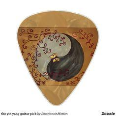 the yin yang guitar pick
