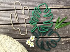 Les ptits bonheurs de Mani Home Diy Crafts Rugs, Wire Crafts, Diy Arts And Crafts, Hobbies And Crafts, Sewing Crafts, Wire Wall Art, Diy Workshop, Art N Craft, String Art