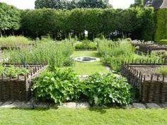 Bois richeux, medieval garden south of Paris