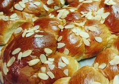 Greek Sweets, Greek Desserts, Greek Recipes, Easter Recipes, Brunch Recipes, How To Make Bread, Food To Make, Baked Camembert, Sugar Bread