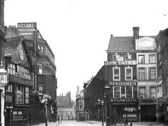 Market Place,Mcr 1895 - Shambles to the left History Manchester, Old M, Northern England, Salford, Old Buildings, North West, Vintage Photos, Past, Sunshine