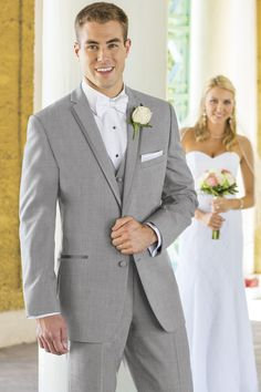 For a polished look, the Heather Grey Aspen tuxedo is a stylish choice. Tailored in 100% worsted wool with a slim fit styling, the Heather Grey Aspen's...