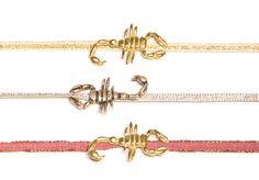 Nuestra Classic Collection la forman tres insectos con distintas cintas de colores, hoy os mostramos nuestro escorpión.   ¿Te atreves con ellos?
